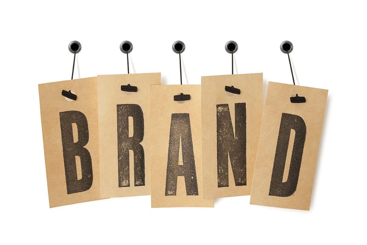 cartel brand para servicios de branding y posicionamieto de marca